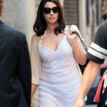 monica-bellucci-on-the-set-of-amazons-mozart-in-the-jungle-in-venice_2