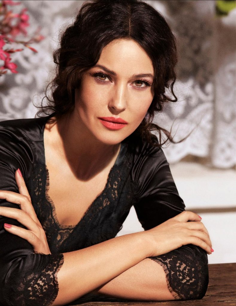 Monica Bellucci in 2020   Monica bellucci, Monica bellucci
